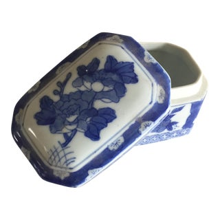 Chinoiserie Blue and White Ceramic Box