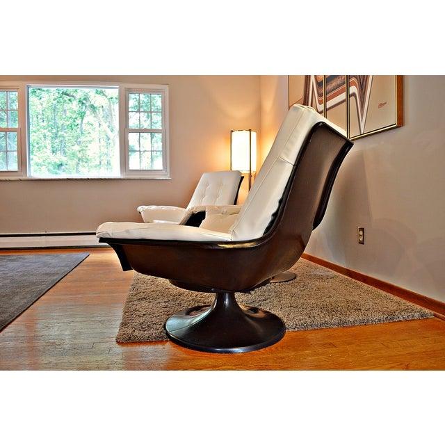 Decorian Swivel Tulip Base Chairs - Set of 3 - Image 9 of 11