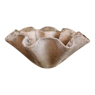 LARGE WILLY GUHL HANDKERCHIEF PLANTER