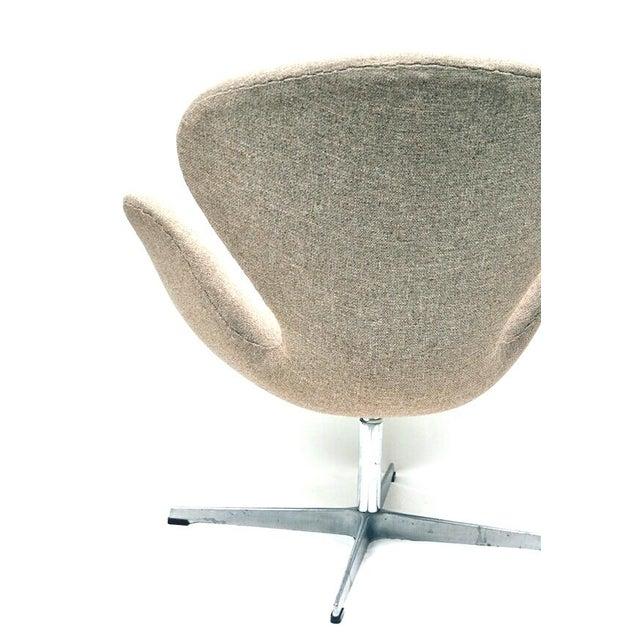 danish fritz hansen swan chair chairish. Black Bedroom Furniture Sets. Home Design Ideas