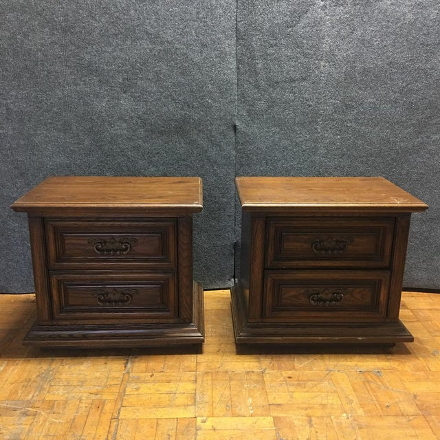 Thomasville Mid-Century Wooden Nightstands- A Pair - Image 2 of 9