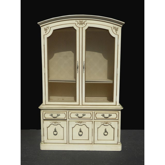 Thomasville French Country Carved Off-White Hutch - Image 2 of 11
