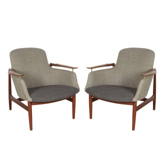 Danish Modern NV 53 Chairs by Finn Juhl, Pair