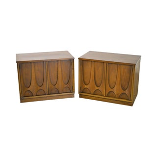 Broyhill Brasilia Mid Century Modern Pair of Walnut Nightstands