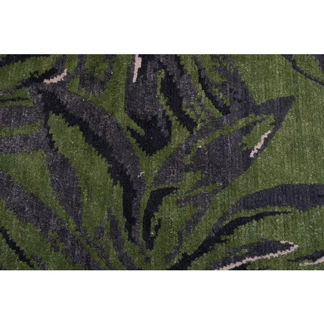 Exuberant Palmleaf-Patterned Hand-Loomed Wool Rug, Stephanie Odegard Collection - Image 4 of 7
