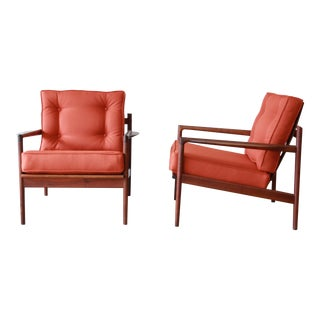 Danish Modern Picket Back Lounge Chairs by Ib Kofod-Larsen for Selig, A Pair