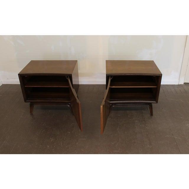 Image of Mid-Century Modern Hoke Nightstands - Pair