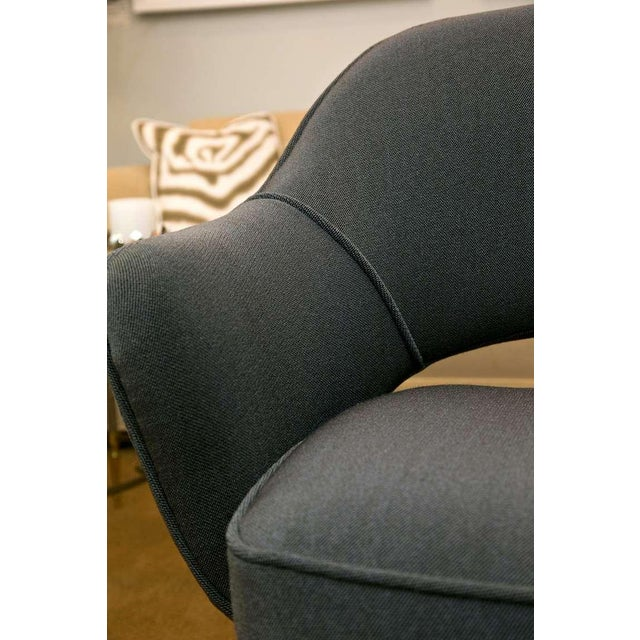 Saarinen Executive Armchair, Vintage Knoll Charcoal - Image 6 of 8