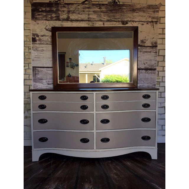 Vintage Bow Front Dresser With Mirror - Image 2 of 5