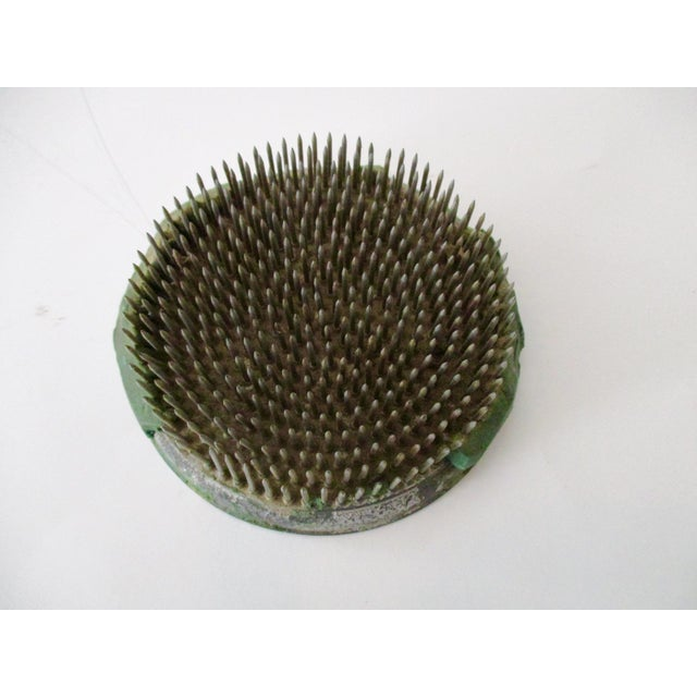 Green Cast Iron Flower Holder - A Pair - Image 3 of 10