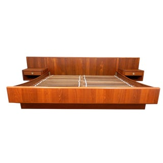 D-Scan Mid-Century Modern Danish Teak King Platform Bed with Floating Nightstands