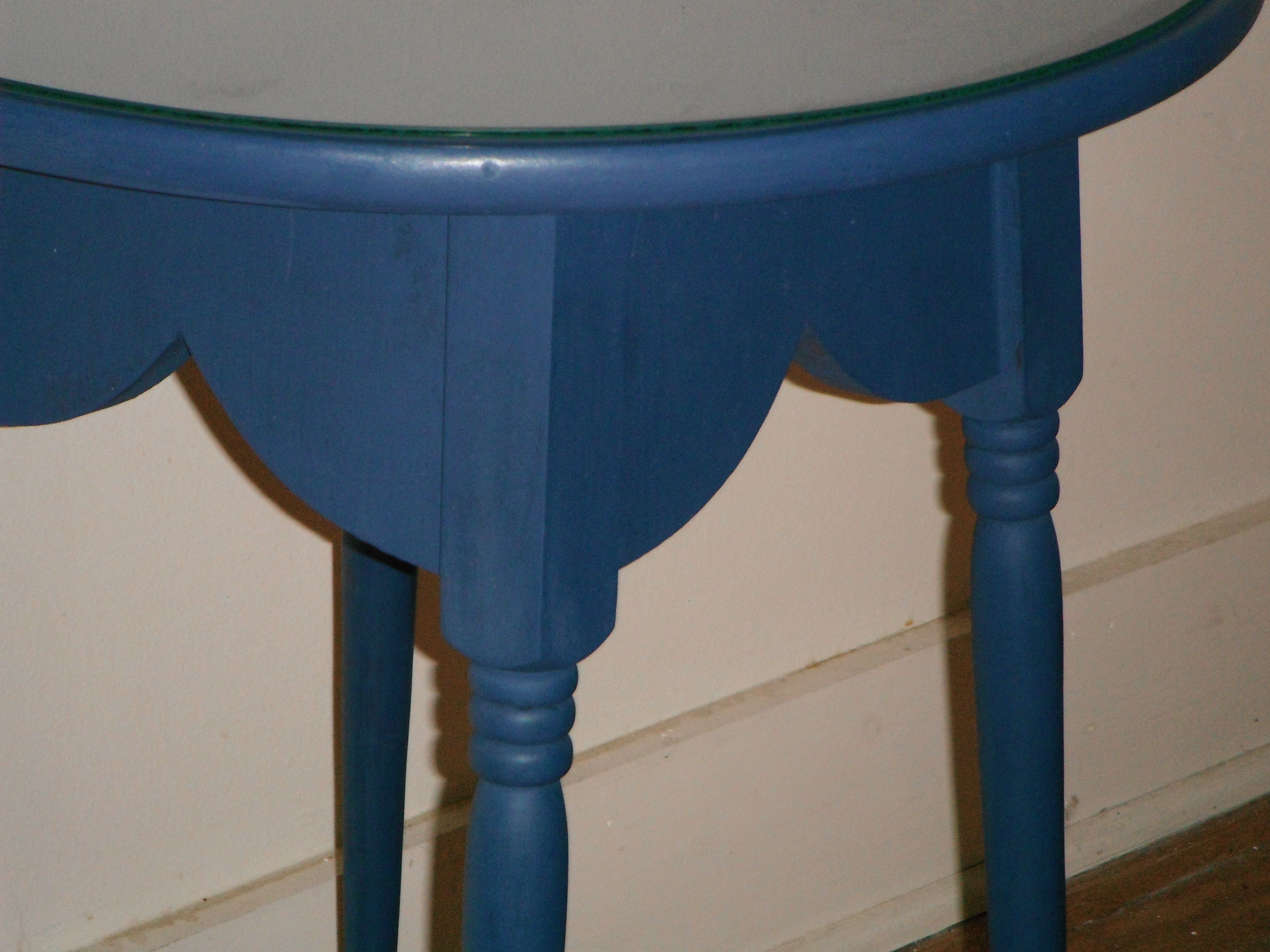 French Country Round Kitchen Table: French Country Round Butler Accent Table