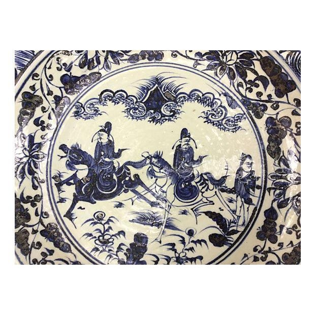 Oversize Blue & White Chinese Warrior Bowl - Image 2 of 5