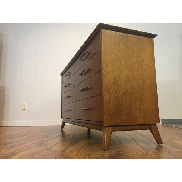 Heritage Henredon Mid Century Lowboy Dresser - Image 4 of 11