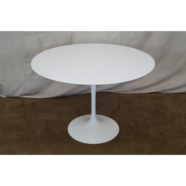 knoll saarinen 42 round dining table chairish. Black Bedroom Furniture Sets. Home Design Ideas