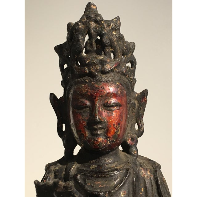 Chinese Lacquer Gilt Bronze Figure of Guanyin, late Ming Dynasty - Image 7 of 11