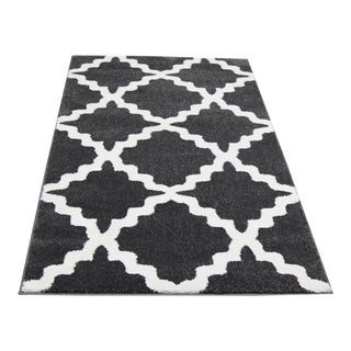 Dark Gray Trellis Rug- 2′8″ × 5′