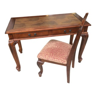 Traditional Style Desk & Chair