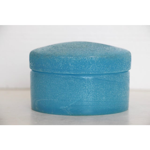 Textured Blue Opaline Glass Lidded Box - Image 3 of 5