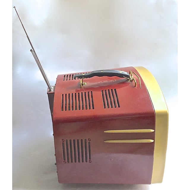 Mid-Century Modern RCA Victor DeLuxe Portable TV - Image 4 of 8