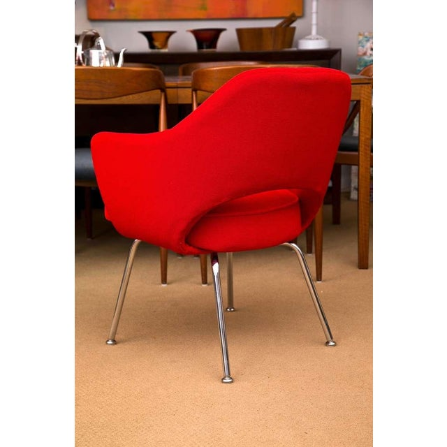 Saarinen Executive Armchair, Vintage Knoll Red Textile - Image 6 of 7
