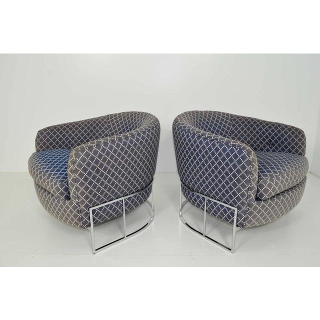 Unique Pair of Milo Baughman/Thayer Coggin Lounge Chairs with Chrome Frame - Image 5 of 7