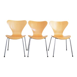 Arne Jacobsen for Fritz Hansen Series 7 Seven Chairs - Set of 3
