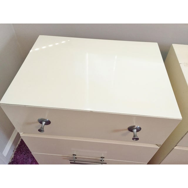 Mid-Century White Lacquer Nightstands - a Pair - Image 6 of 9