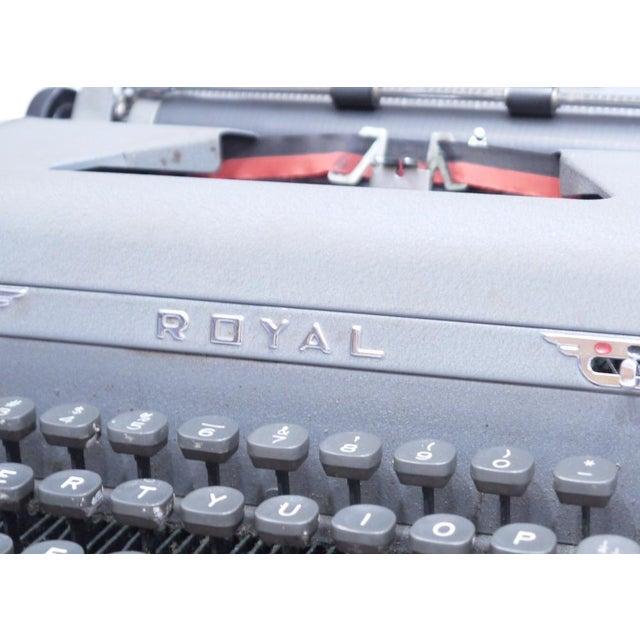 Vintage Royal Quiet Deluxe Typewriter - Image 5 of 9