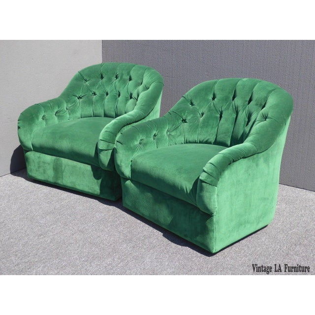 Vintage Pair of Mid Century Modern Tufted Green Velvet Swivel Club Chairs - Image 3 of 11