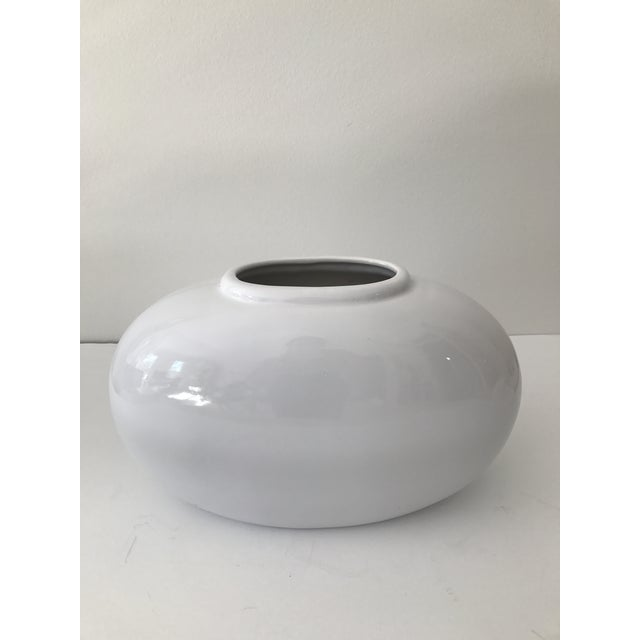 Haeger White Oval Pottery Vase - Image 2 of 5