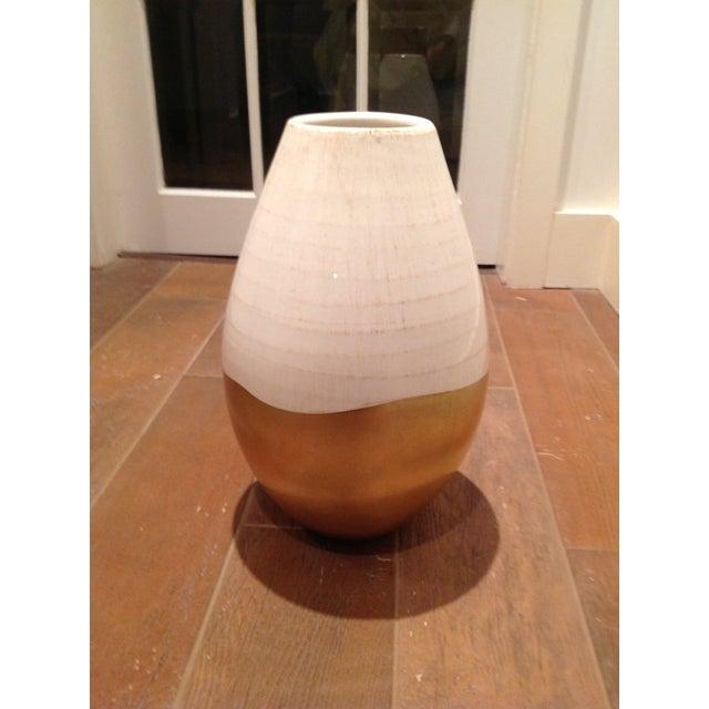 Antiqued Italian White & Gold Ceramic Vase - Image 2 of 5
