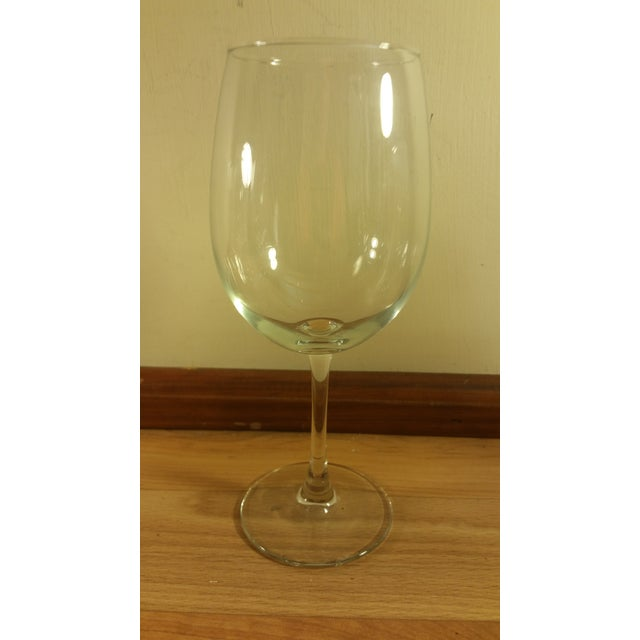 Luminarc clear glass thin stemmed wine glasses set of 4 for Thin stem wine glasses
