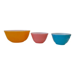 Pyrex Milk Glass Mixing Bowls - Set of 3