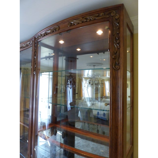 Henredon Alfresco Collection Concave Display Cabinet - Image 7 of 9