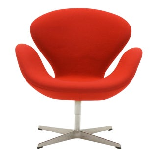 Arne Jacobsen Swan Chair for Fritz Hansen