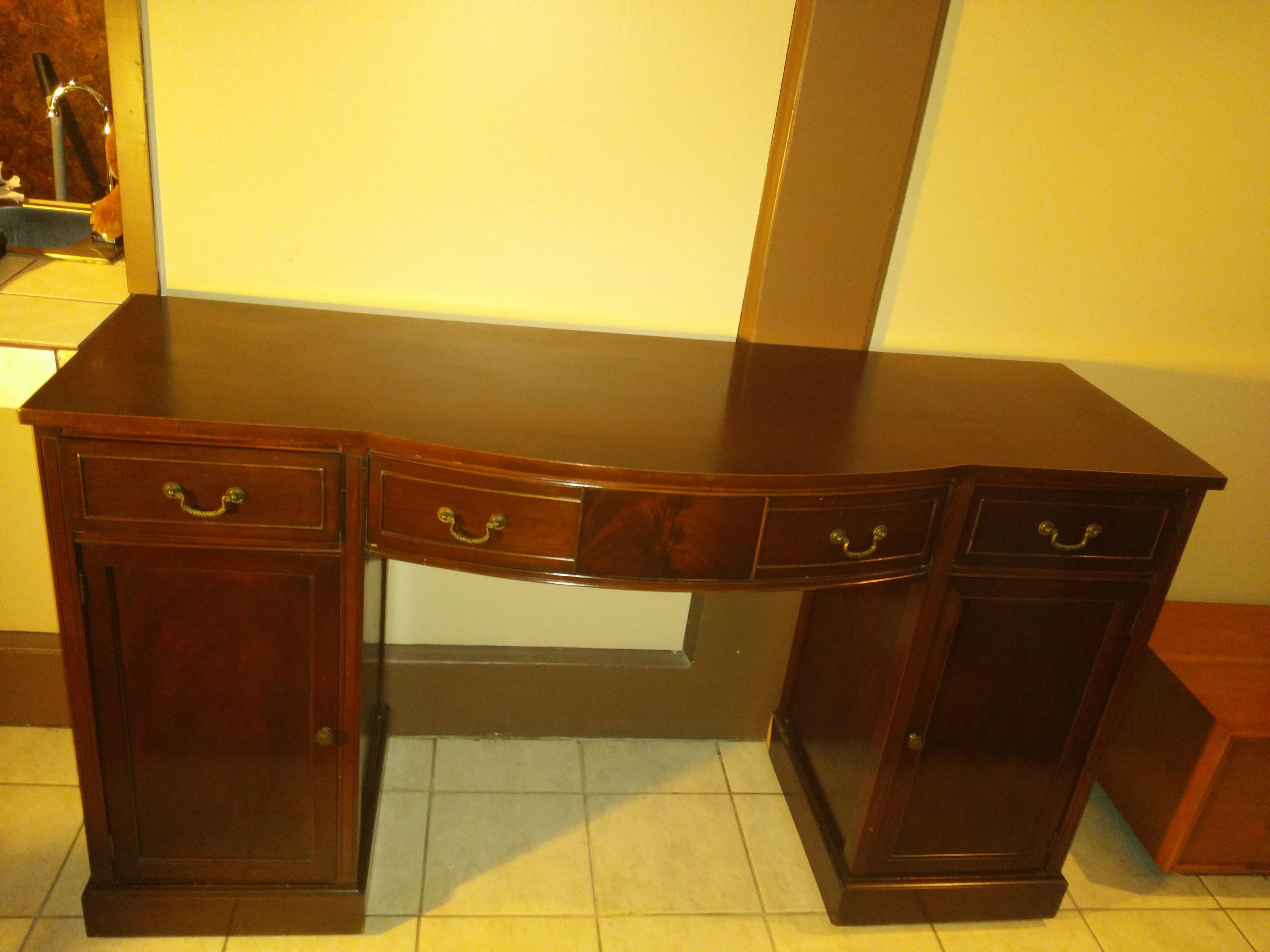 Huntley Furniture Buffet / Sideboard   Image 11 Of 11