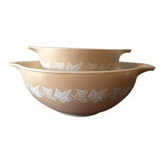 Pyrex Tan & White Sandalwood Mixing Bowls - A Pair