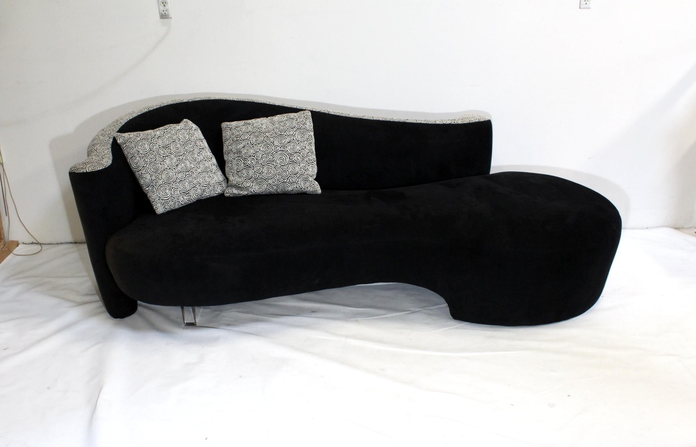 Vladimir Kagan For Weiman Serpentine Sofas With Lucite Legs   A Pair    Image 3 Of