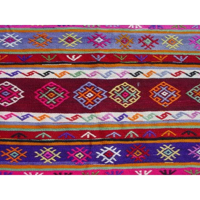 "Vintage Handwoven Turkish Kilim Rug - 5'11"" x 9'6"" - Image 5 of 11"