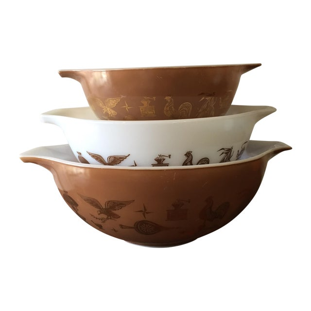 Image of Pyrex Early American Mixing Bowls - Set of 3