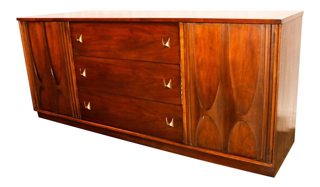 Superior Broyhill Brasilia Mid Century Walnut Credenza Triple Dresser