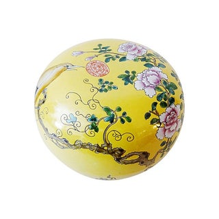 Famille Jaune Large Porcelain Box