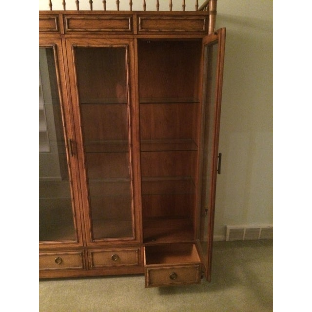 Thomasville China Display Cabinet - Image 5 of 5