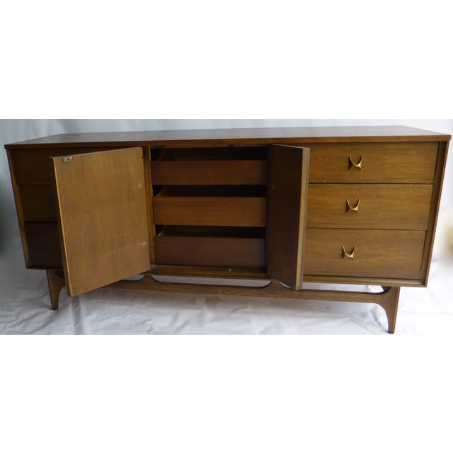 Broyhill Brasilia 9 Drawer Chest of Drawers - Image 9 of 11