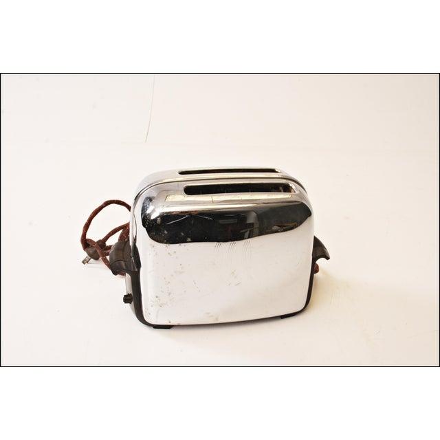 Vintage Chrome Toastmaster Toaster with Bakelite Handles - Image 3 of 10