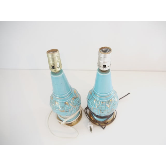Mid-Century Blue & Gold Faceted Ceramic Lamps - Image 4 of 5