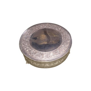 Embossed Round Silver Metal Indian Pedestal