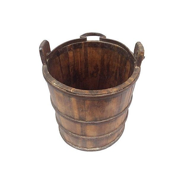 Antique wooden bucket best 2000 antique decor ideas for How to decorate a bucket