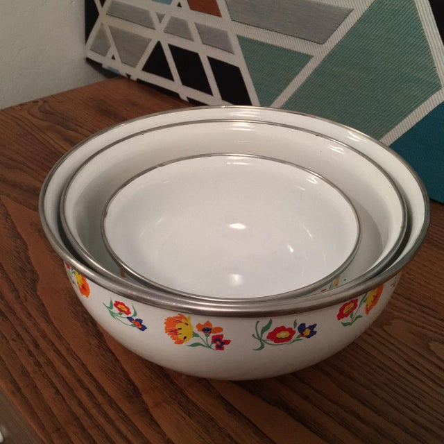 Floral Print Enamel Mixing Bowls - Set of 3 - Image 5 of 6